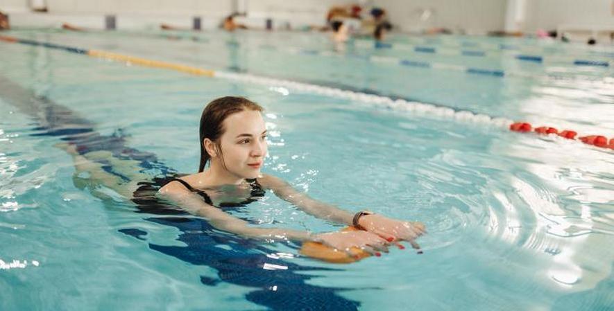 Можно ли плавать при шейном остеохондрозе