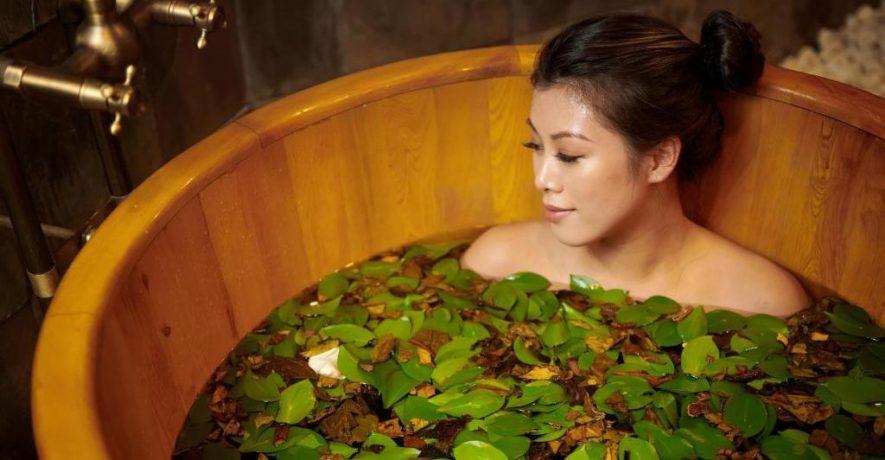Лечебные ванны при остеохондрозе с травами