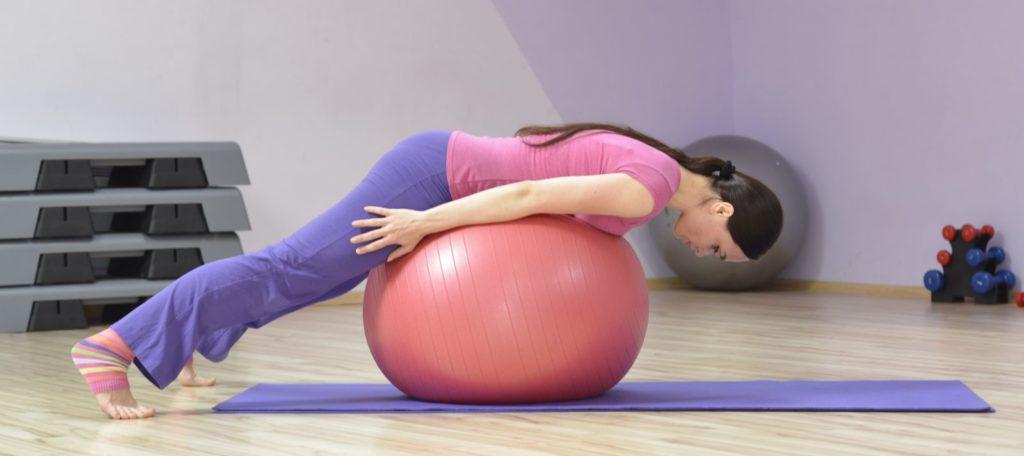 Комплекс упражнений на фитболе при остеохондрозе