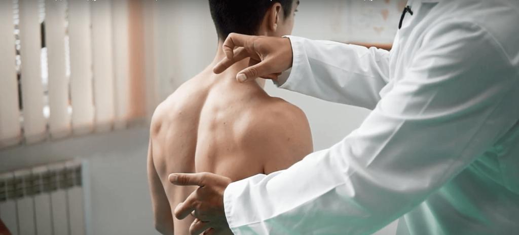 Болезненность в области лопатки при остеохондрозе