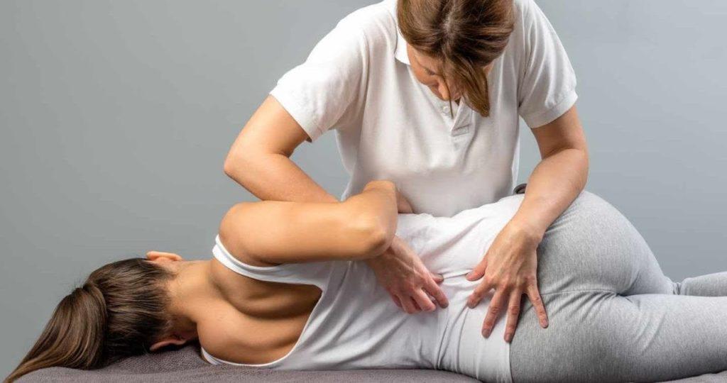 Польза мануальной терапии при болях в спине