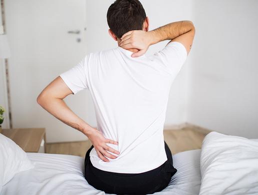 Чем снять боль в спине при остеохондрозе
