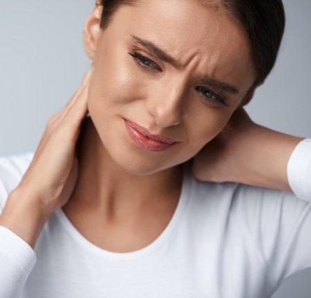 Боли в шее при шейном остеохондрозе