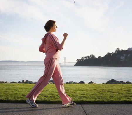 Можно ли заниматься ходьбой при остеохондрозе