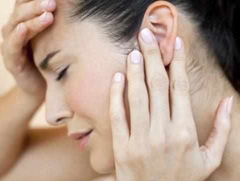 Может ли закладывать уши при шейном остеохондрозе