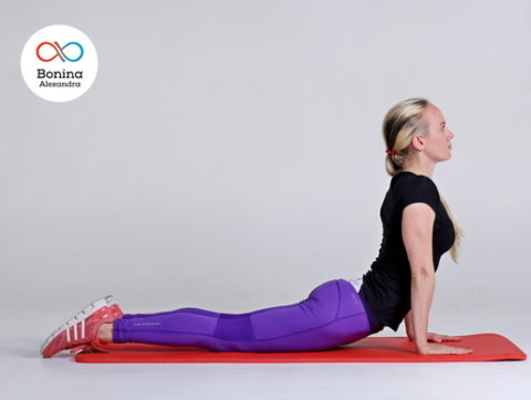 Йога при остеохондрозе: польза и противопоказания
