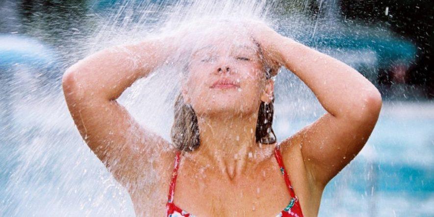 Как правильно обливаться водой при остеохондрозе